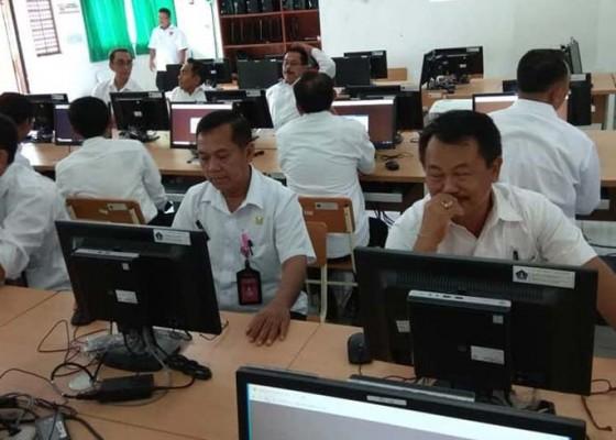 Nusabali.com - 56-pejabat-ikuti-tes-kompetensi