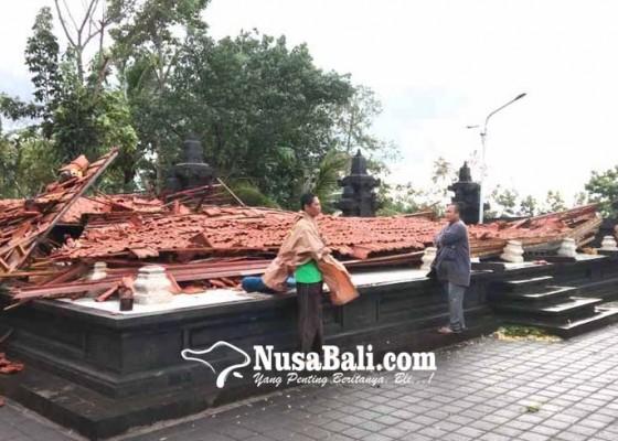 Nusabali.com - pura-penataran-agung-desa-nangka-dikoyak-puting-beliung