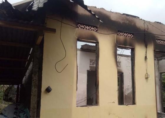 Nusabali.com - petir-hancurkan-rumah-warga-desa-madenan