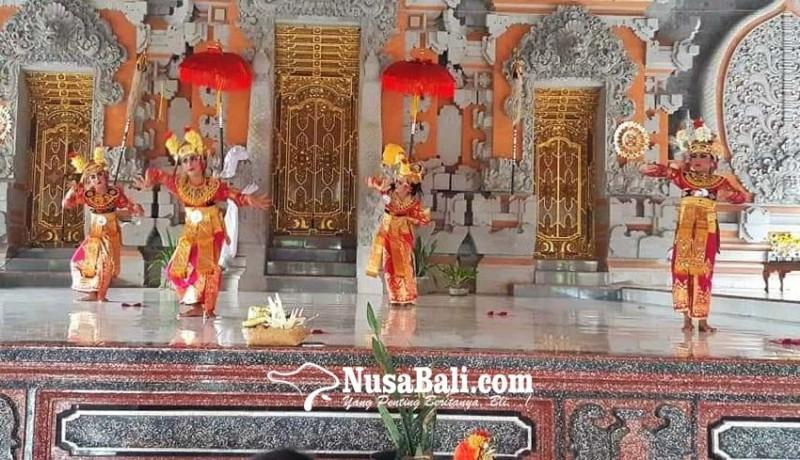 www.nusabali.com-penari-sanggar-darmawangsa-jalani-ujian-kenaikan-tingkat