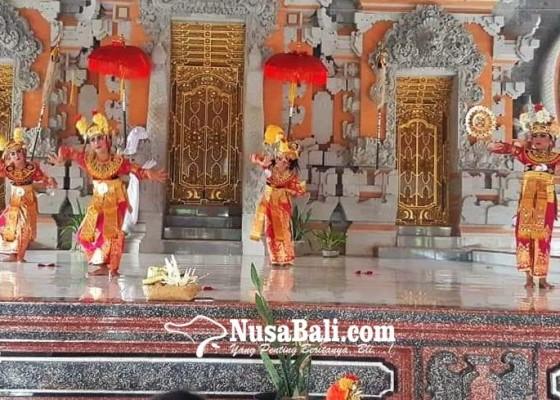 Nusabali.com - penari-sanggar-darmawangsa-jalani-ujian-kenaikan-tingkat