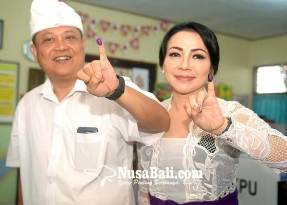 Nusabali.com - rai-mantra-ogah-ditanya-peluang-istrinya-maju-pilkada