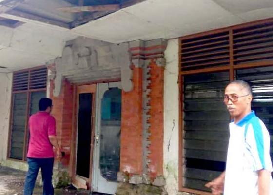 Nusabali.com - rusak-berat-tabanan-usulkan-gedung-llk-senilai-rp-168-m