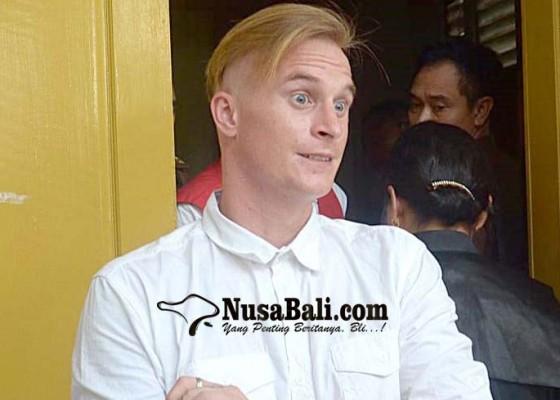 Nusabali.com - aniaya-buruh-guru-asal-amrik-divonis-8-bulan