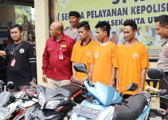 Nusabali.com - embat-motor-tiga-pemuda-asal-sumba-dijuk