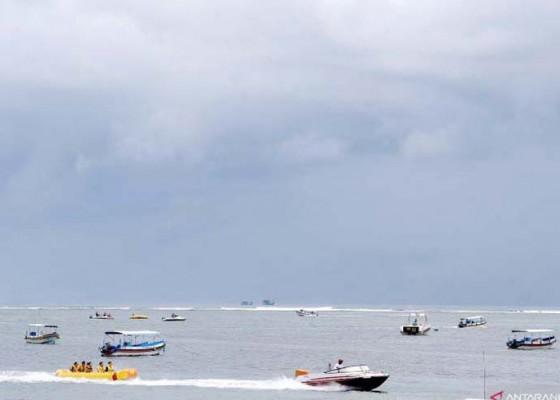 Nusabali.com - cuaca-buruk-wisata-air-berlakukan-buka-tutup