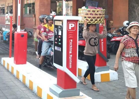 Nusabali.com - parkir-elektronik-tingkatkan-pendapatan-pd-pasar