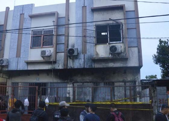 Nusabali.com - ruko-terbakar-5-tewas-terpanggang