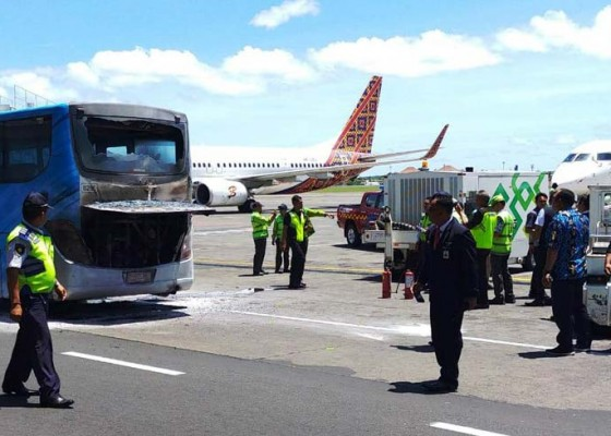 Nusabali.com - sudah-4-kali-bus-tebakar-di-bandara