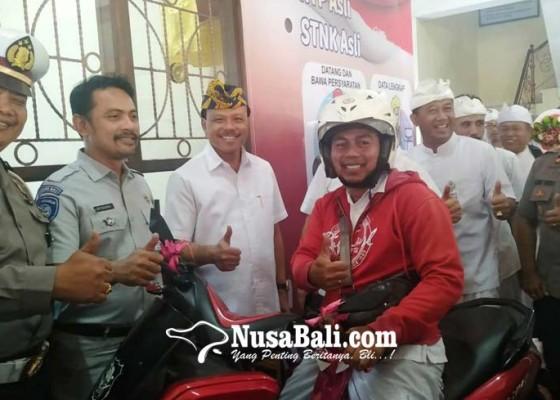 Nusabali.com - layanan-drive-thru-nyamsat-cukup-3-menit