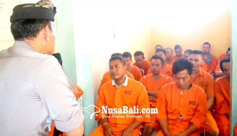 www.nusabali.com-tahanan-polres-gianyar-diberi-siraman-rohani