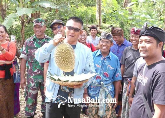 Nusabali.com - pangdam-ix-mayjen-susiantoberburu-ki-raja-ke-desa-madenan