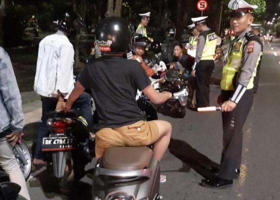 Nusabali.com - razia-antisipasi-balapan-liar-jaring-28-pelanggar