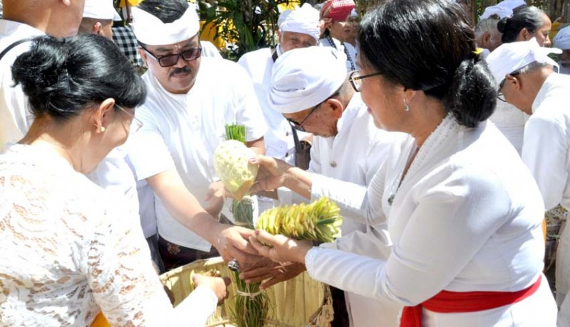 www.nusabali.com-digelar-ritual-ngadegan-pamemben-bagia-pula-kerti
