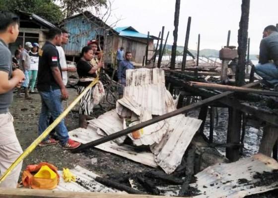 Nusabali.com - balita-main-korek-3-rumah-ludes-terbakar