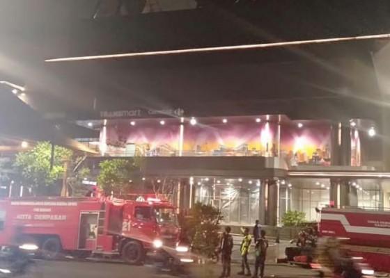 Nusabali.com - neonbox-trans-studio-bali-terbakar