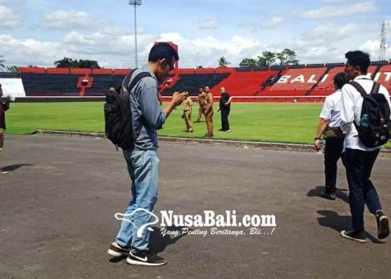 Nusabali.com - pssi-dan-tim-pupr-periksa-stadion-wayan-dipta