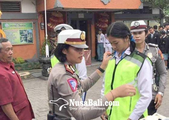Nusabali.com - kasatlantas-lantik-pks-sma-pgri-amlapura