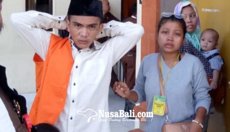 www.nusabali.com-dituntut-15-tahun-keluarga-menangis
