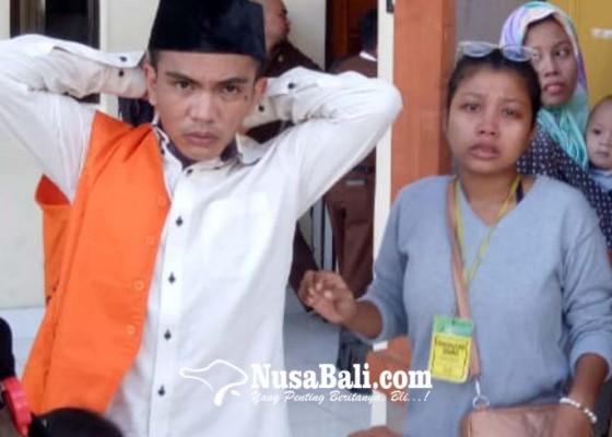 Nusabali.com - dituntut-15-tahun-keluarga-menangis