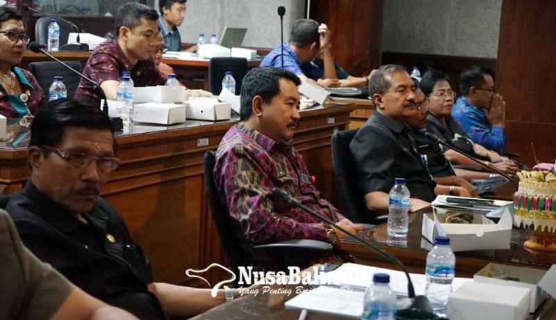 www.nusabali.com-dewan-pertanyakan-jumlah-asn-dimutasi