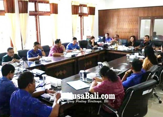 Nusabali.com - lebih-17000-kis-pbi-warga-buleleng-gagal-akses