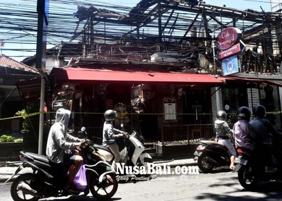 Nusabali.com - supermarket-bintang-terbakar-13-blok-bangunan-hangus