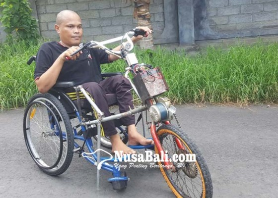 Nusabali.com - berhasil-bikin-modifikasi-kursi-roda-bertenaga-listrik