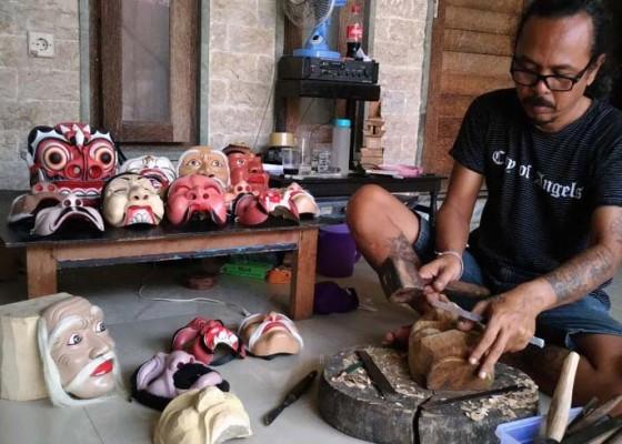 Nusabali.com - membuat-tapel-untuk-ditarikan