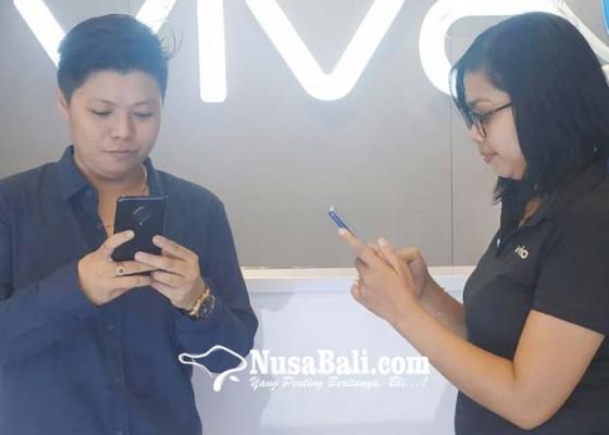 Nusabali.com - penjualan-handphone-diprediksi-melesat-di-2020