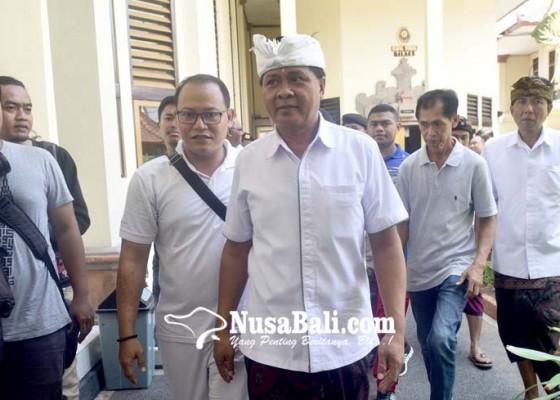 Nusabali.com - sudikerta-tunjuk-pengacara-senior