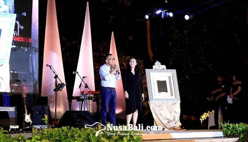 www.nusabali.com-kadek-dwita-apriani-perempuan-bali-pertama-bergelar-doktor-ilmu-politik
