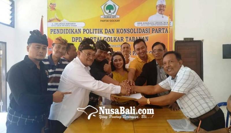 www.nusabali.com-ngurah-panji-ambil-formulir-cabup-di-golkar-tabanan