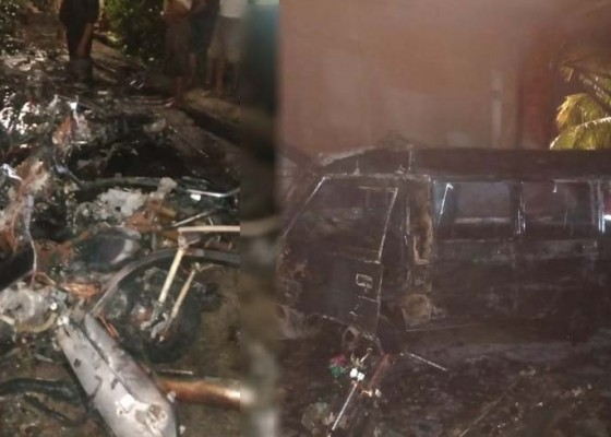 Nusabali.com - 1-mobil-ambulans-dan-7-motor-hangus-terbakar
