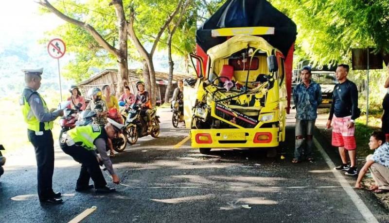 www.nusabali.com-truk-seruduk-truk-di-kaliasem-berakhir-damai