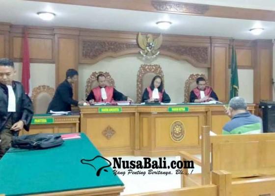 Nusabali.com - penganiaya-anjing-dituntut-6-bulan-percobaan