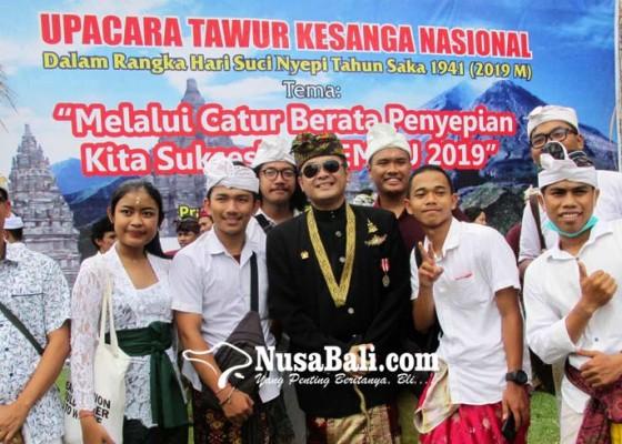 Nusabali.com - dipolisikan-awk-bantah-klaim-jadi-raja-majapahit