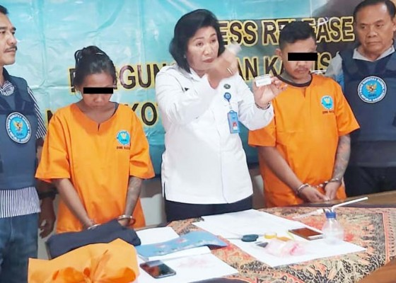 Nusabali.com - jualan-shabu-istri-napi-dijuk