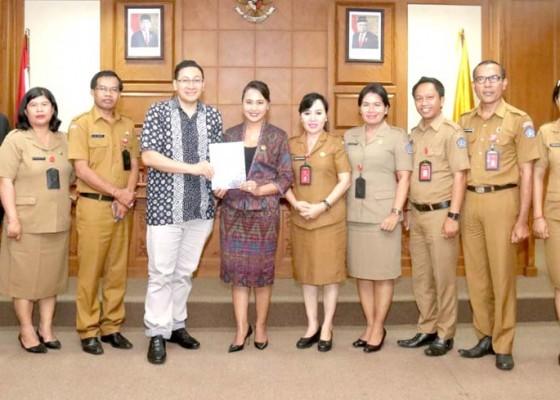 Nusabali.com - dewan-badung-terima-perwakilan-konjen-ri-toronto