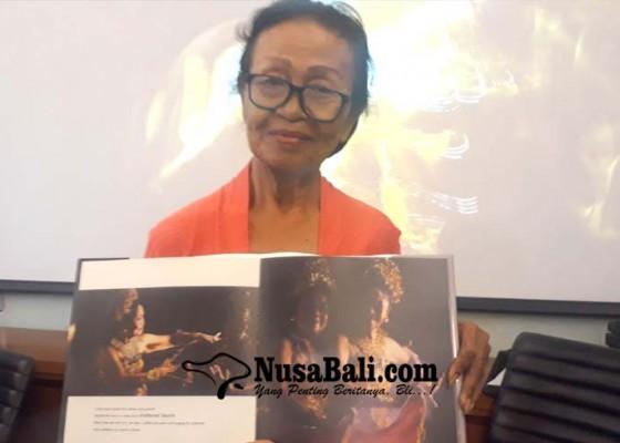 Nusabali.com - maestro-tari-ni-ketut-arini-diapresiasi-dalam-pameran-dan-buku-foto