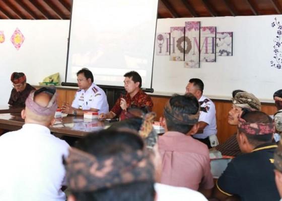 Nusabali.com - bupati-suwirta-sosialisasikan-pembangunan-pelabuhan-sampalan-dan-bias-munjul