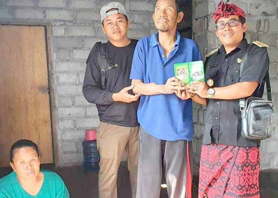 Nusabali.com - dinas-sosial-bantu-dua-penyandang-disabilitas