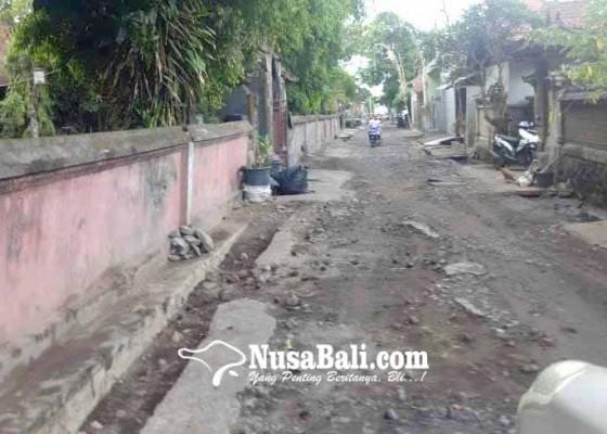 Nusabali.com - pelaku-pariwisata-keluhkan-jalan-amed