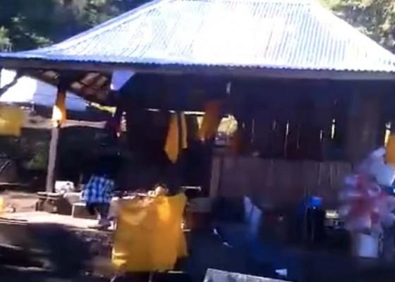 Nusabali.com - pembangunan-pura-di-bukit-sengayang-tak-ada-pelanggaran-aktivitas-distop