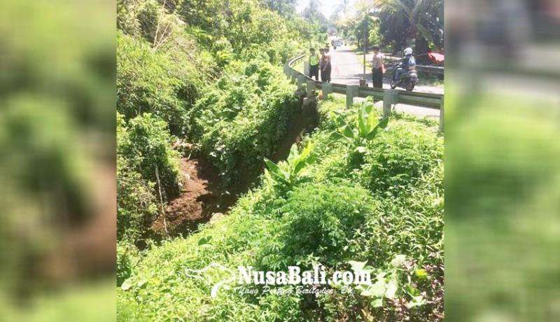 www.nusabali.com-hujan-deras-gorong-gorong-longsor-dan-timbulkan-retakan-pada-jembatan