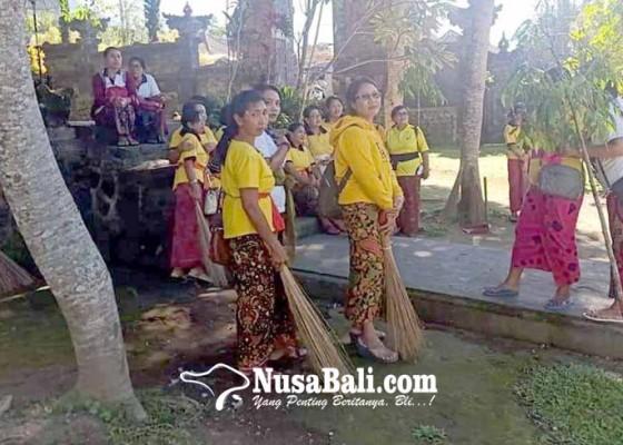Nusabali.com - whdi-ngayah-mareresik-jelang-usaba-dalem-besakih