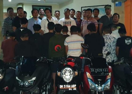 Nusabali.com - jadi-begal-14-pelajar-geng-motor-ditangkap