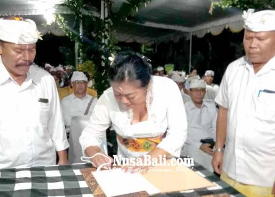 Nusabali.com - bupati-dan-bendesa-duda-tandatangani-mou-di-malam-siwaratri