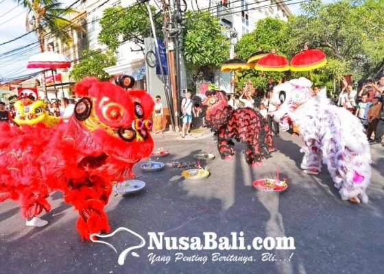 Nusabali.com - tutup-tahun-barongsai-semarakkan-banjar-dharma-semadi
