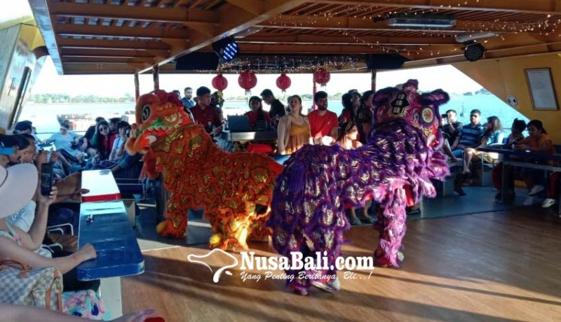 www.nusabali.com-imlek-penumpang-bounty-cruise-disuguhi-atraksi-barongsai